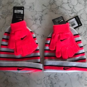 Lot of 2 sets Nike girl's hats gloves. You get all